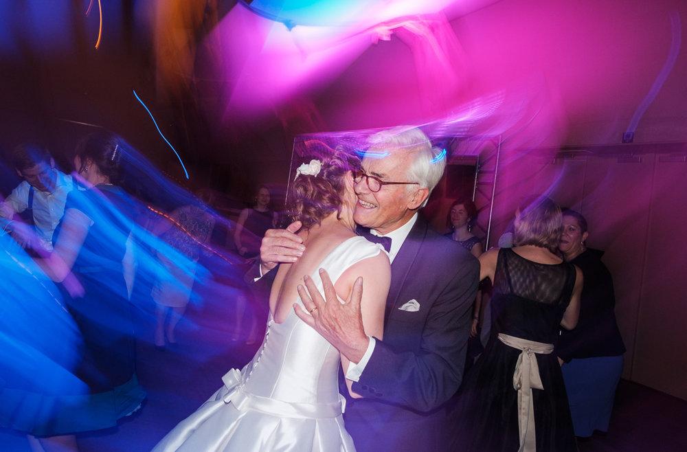 iso800-trouwfotografie-antwerpen-dansen-horta