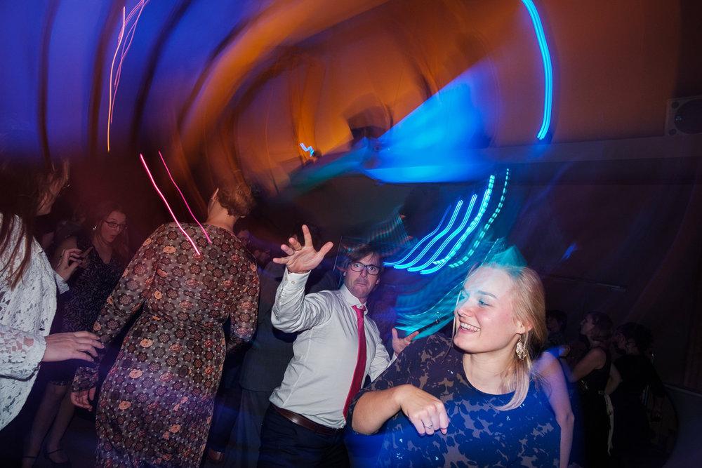 iso800-trouwfotografie-dansfeest-antwerpen-horta