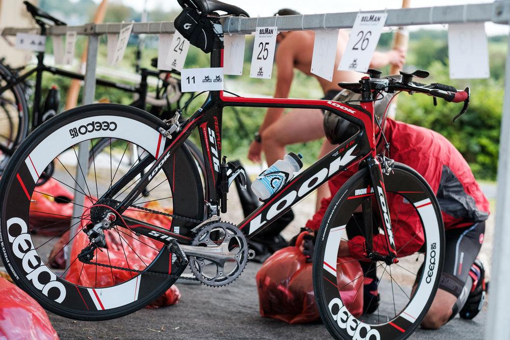 Orakel is producent van de feest- en evenement artikelen. Iso800 levert foto en video voor hun producten in actie. Volgnummers voor de fietsers.