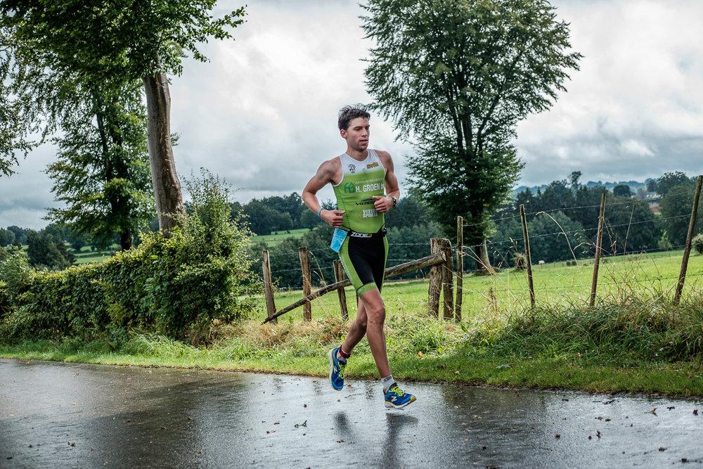 iso800-bedrijfsfoto-video-orakel-reportage-bellman triathlon-lopers-volgnummer