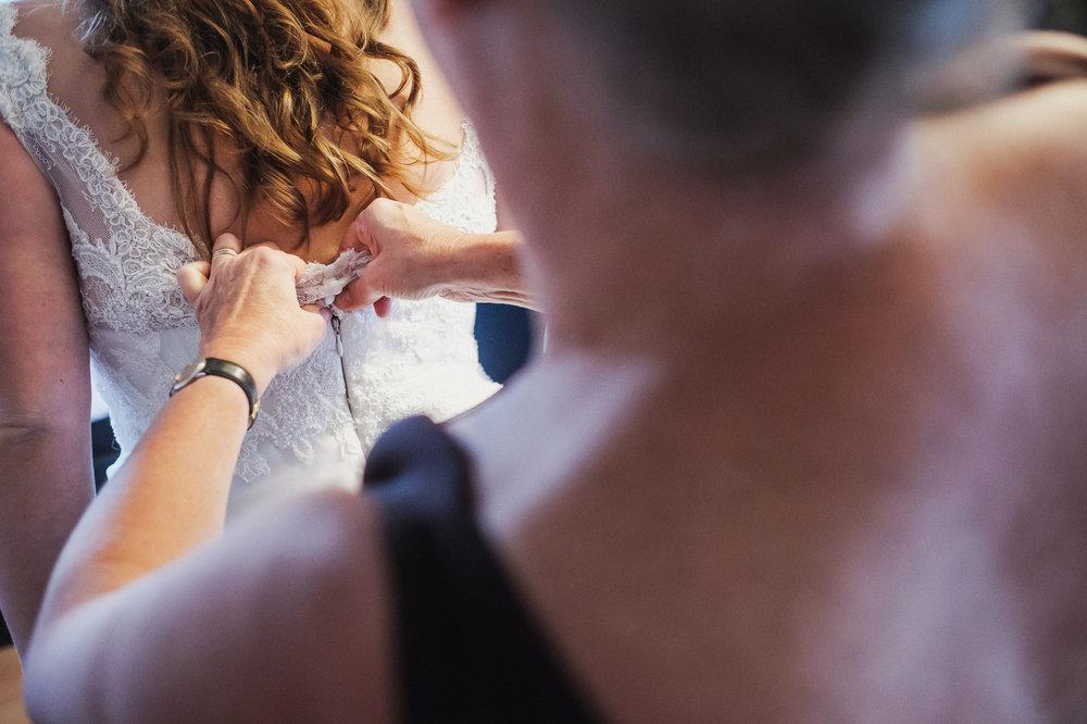 iso800-huwelijksfotograaf-maaike&marijn-ochtend-voorbereiding-br