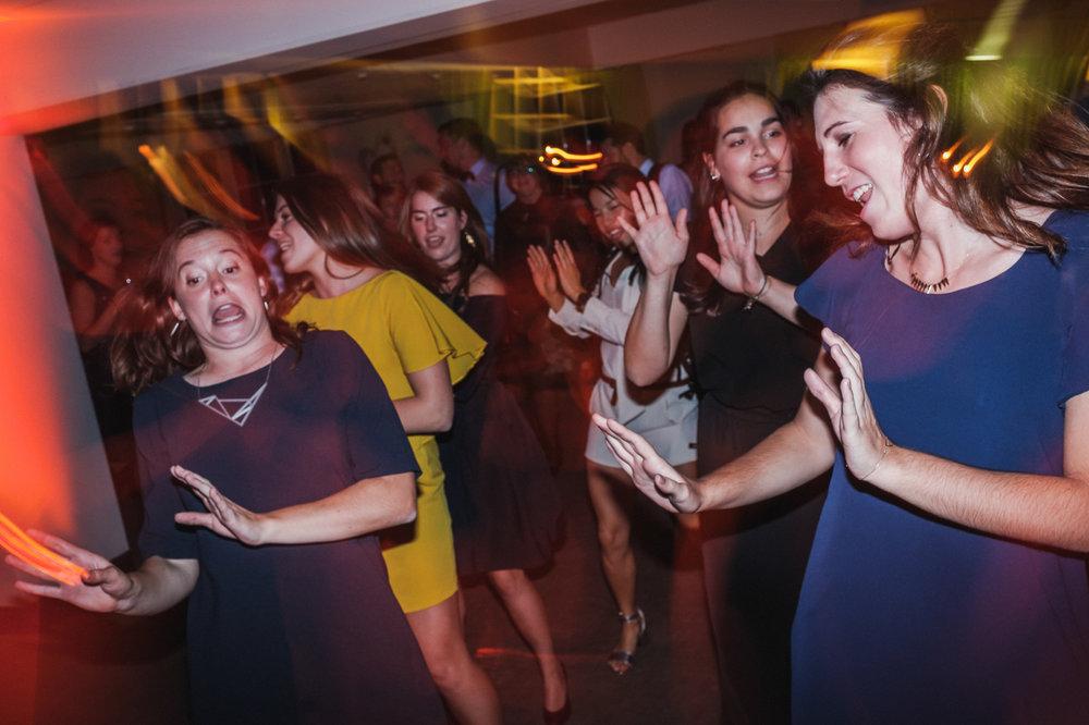iso800-huwelijksreportage-maaike & marijn-avondfeest-dansfeest-d