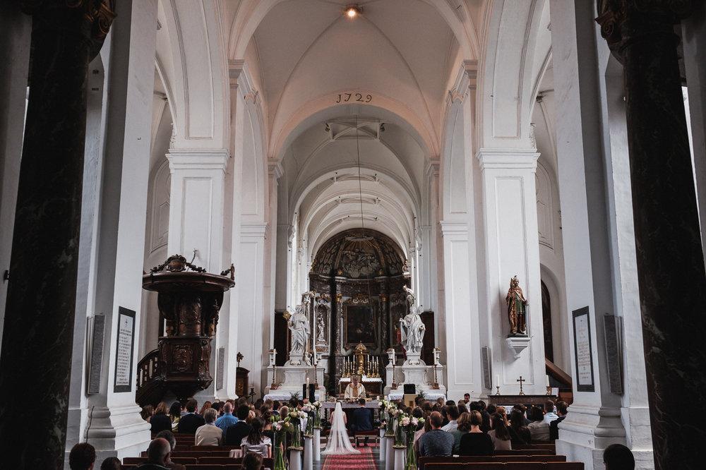 iso800 - fotograaf huwelijk Liesbeth en Karel -19.jpg