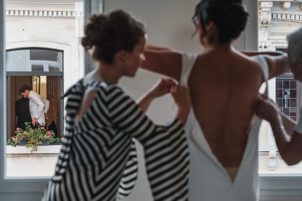 iso800-fotograaf huwelijk-sara & jan-ochtend-voorbereiding-bruid