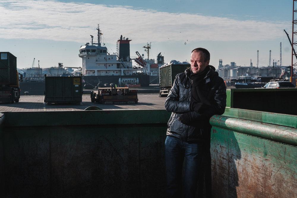 portret Steve Sel Vil.be sfeerbeeld locatieportret haven van antwerpen