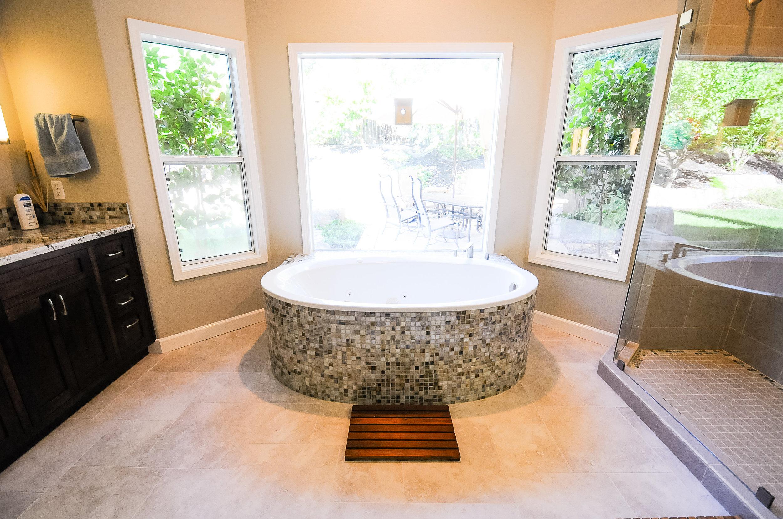 Round Tub Master Bath — Quinlan & Reed Construction