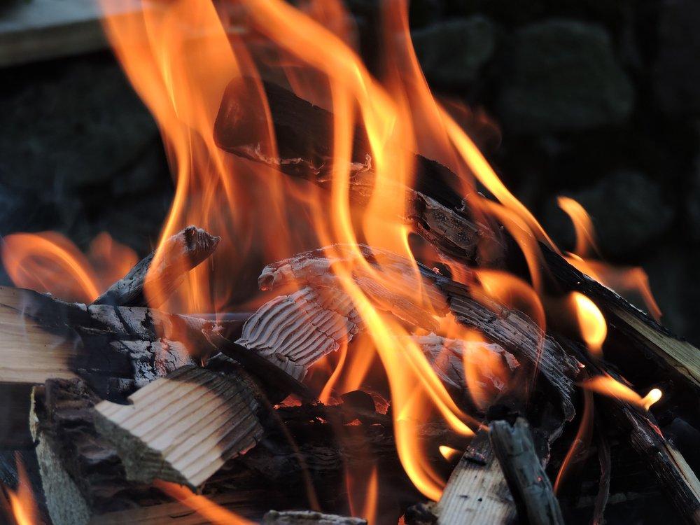 fire-1418252_1920.jpg