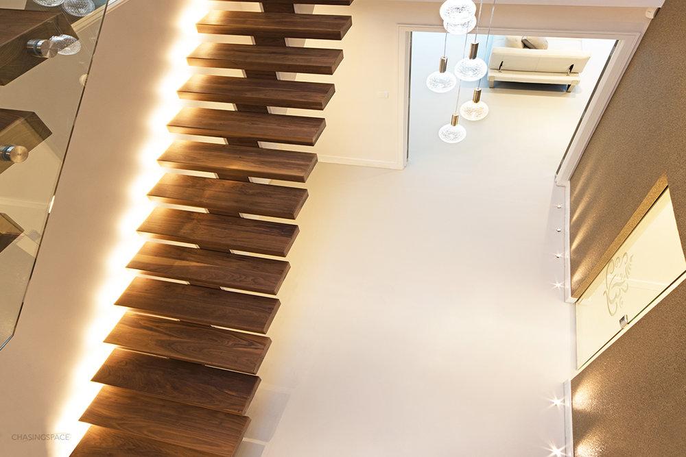 stairs-resin-flooring.jpg