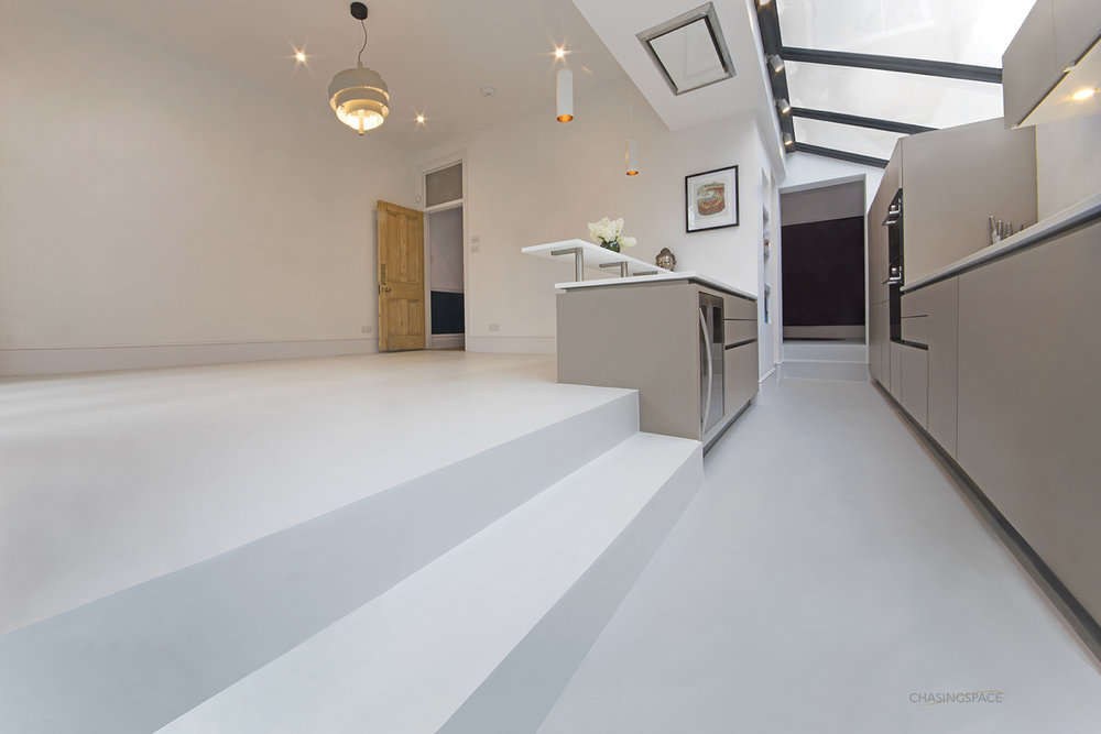 kitchen-resin-floor-steps.jpg