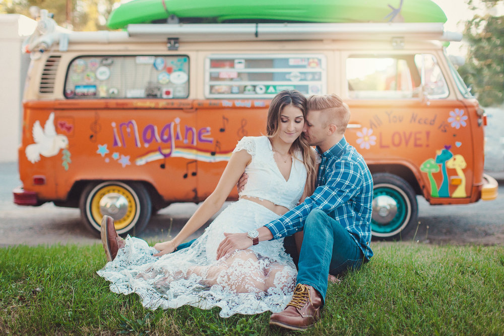 Vintage engagement with VW bus