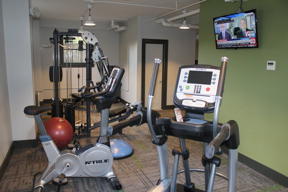 08_11+OM_FitnessRm01.jpg