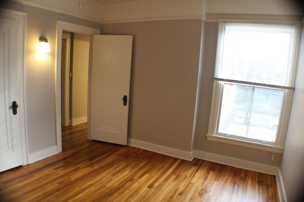 13_2N.05+Bedroom+1.jpg