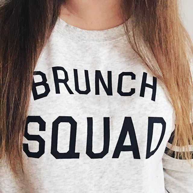 Perfect sweater for New Year's Day brunch ✌🏻 #brooklyn #newyear2017 #selfiesunday #selfie #brunch #brunchsquad #brunchnyc #brunchlife #brunching #newyearsday #todayslook
