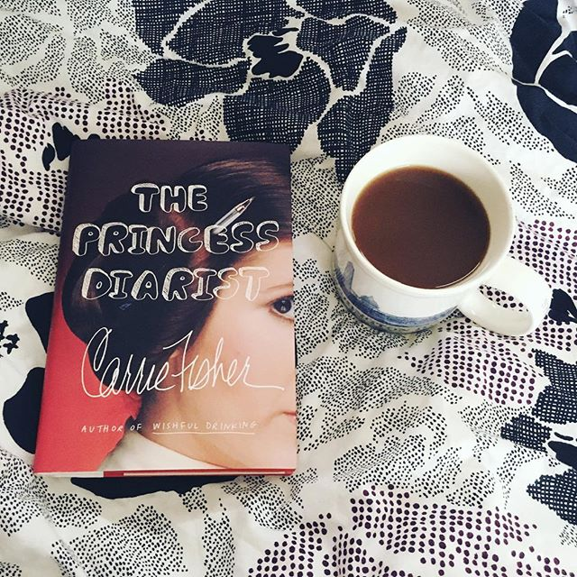 Saturday snowy day plans ❄️📖☕️ #theprincessdiarist #carriefisher #booklover #booklove #bookstagram #book📖 #bookaholic #bookworm #instabook #coffeetime #saturdaymorning