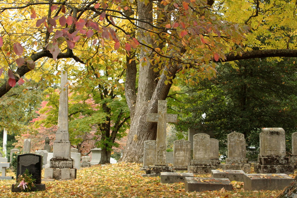 The historic Lexington Cemetery is less than one mile from the Mary Todd Lincoln House and is the final resting place of many of the community's most well-known citizens, including the Todd family.