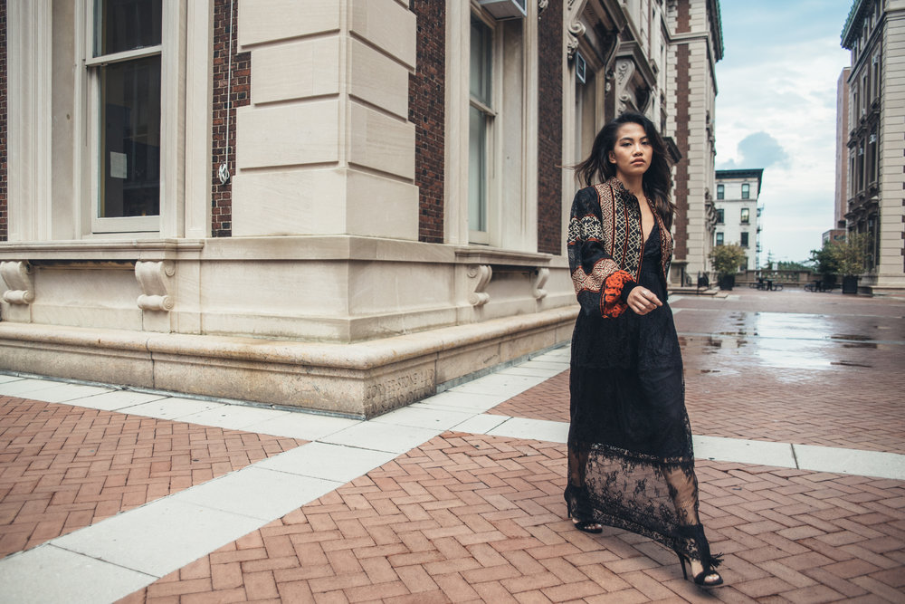 VOTE FOR STREET STYLE TELLER FOR BREAKTHROUGH FASHION BLOGGER OF THE YEAR.