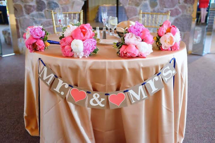 sweetheart table photo courtesy of Joshua Costes Photography