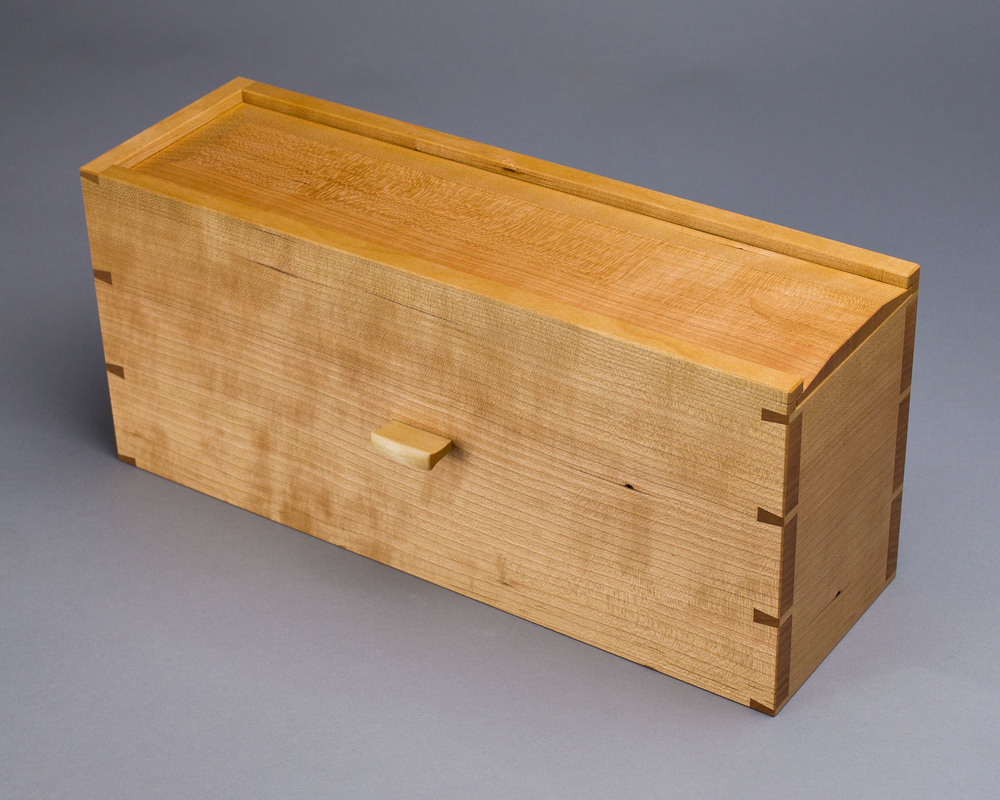 shaker-box-with-hand-cut-dovetails.jpg