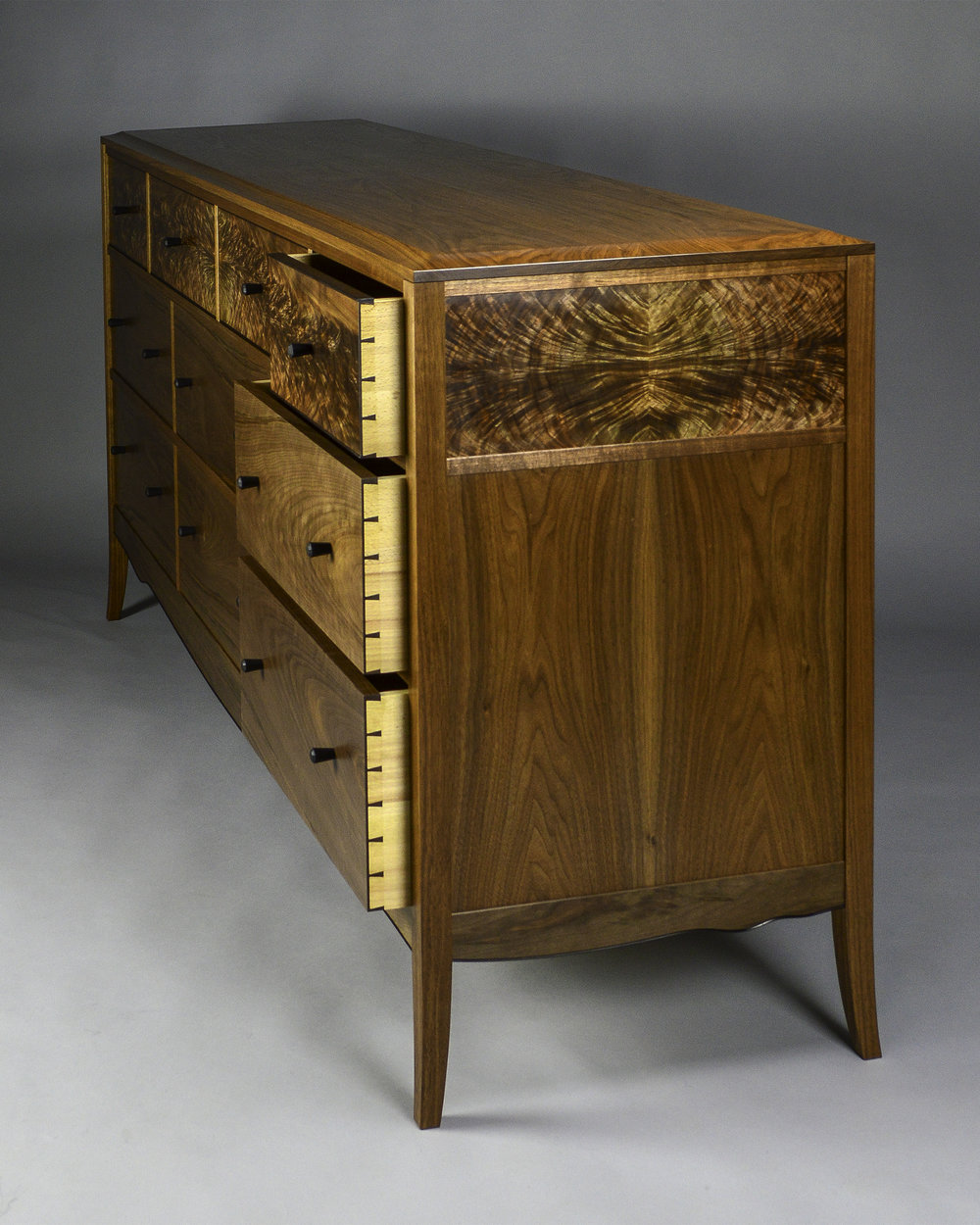 Chest of Drawers 5.jpg