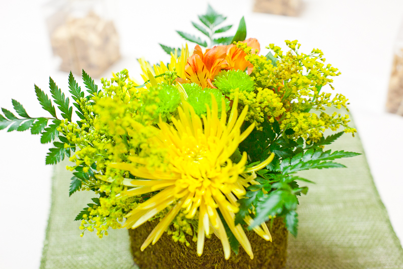 Safari Theme First Birthday Dohl Party Flowers Centerpiece_.jpg
