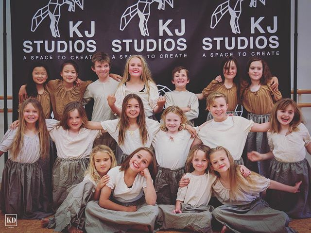 JUNIOR KIDS OPEN DAY.  Come along to KJ Studios today for any or all of these classes totally for FREE. See you there. 🦊 3:45 - 4:30pm Junior Musical Theatre 4:30 - 5:00pm Junior Hip Hop 5:00 - 5:30pm Junior Contemporary 5:30 - 6:00pm Junior Jazz 6:00 - 6:30pm Junior Ballet