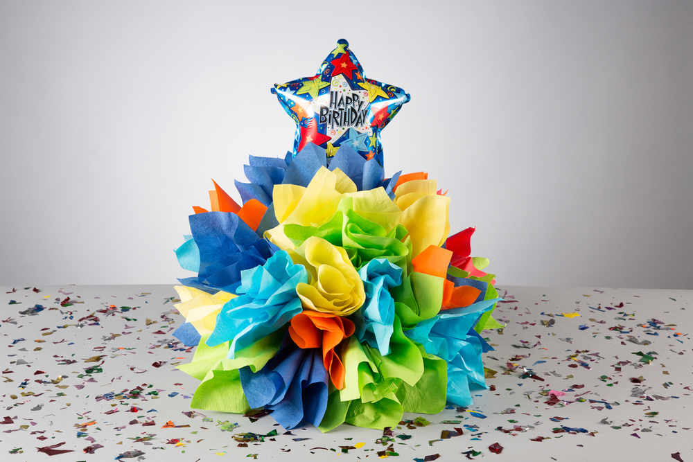 Having a birthday party? Take care of the centerpiece idea and napkins with a Napkin Tree.