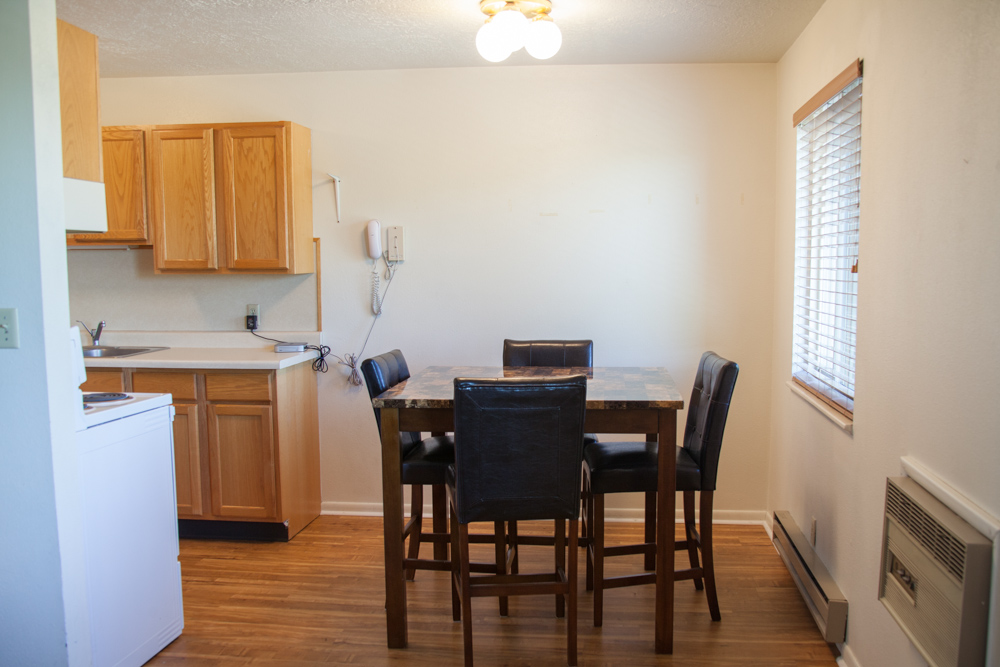 Newly remodeled dining area - *Only available in selected apartments
