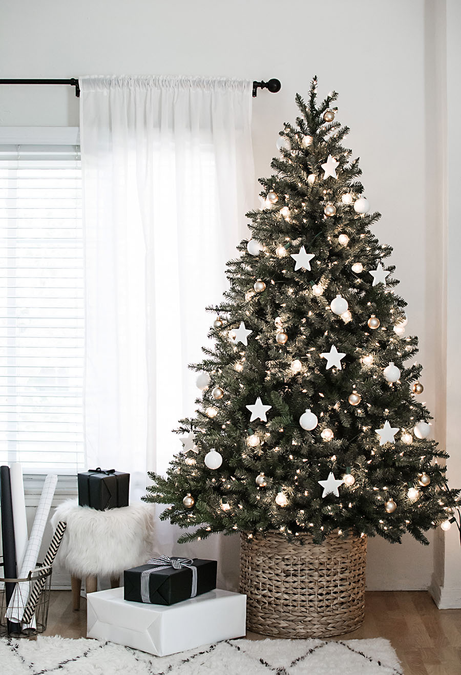 Modern Neutral Christmas Tree with DIY Clay Star Ornaments {Christmas Tree Inspiration Roundup} - Stevie Storck Design Co.
