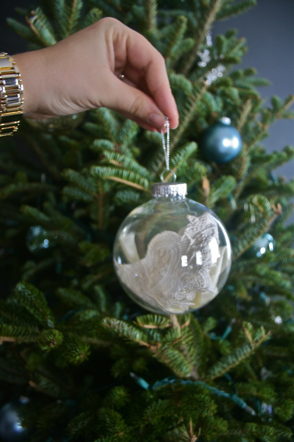 DIY Wedding Lace Ornament ------>Holiday Home Tour 2015- Stevie Storck Design Co.