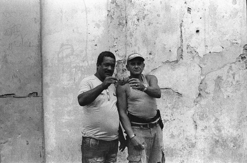 Holding a dead bat, Havana