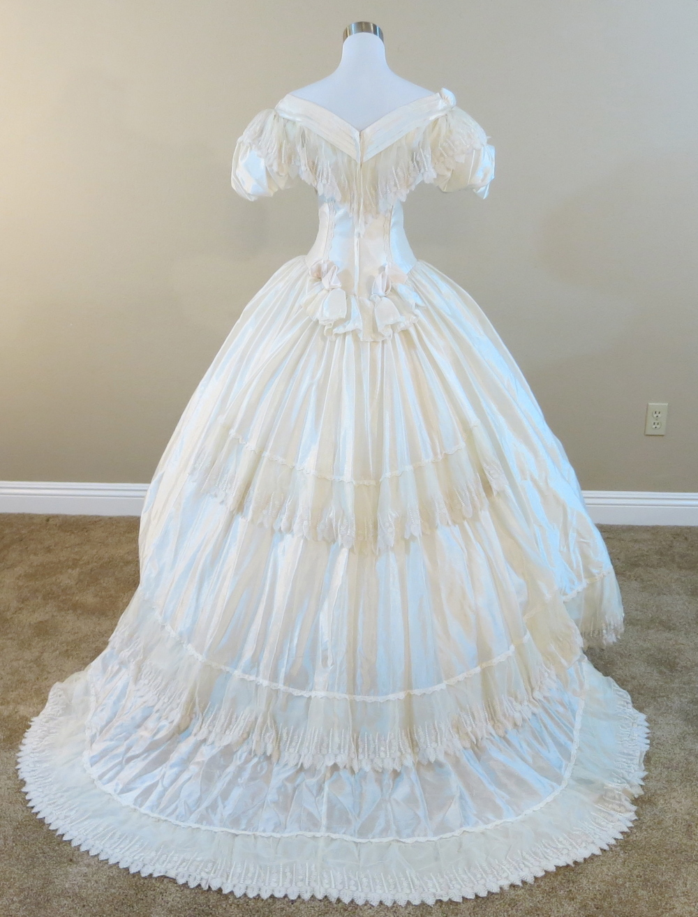 Vintage Ronald Joyce Wedding Gown (waist - 24\