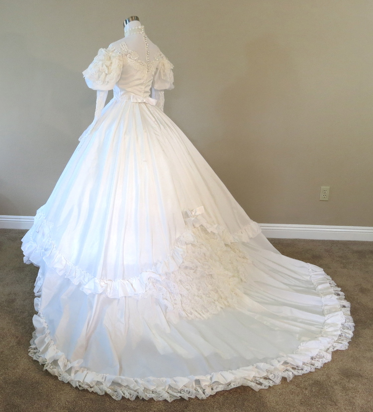 TLC Vintage Angelo Wedding Gown (waist - 25\