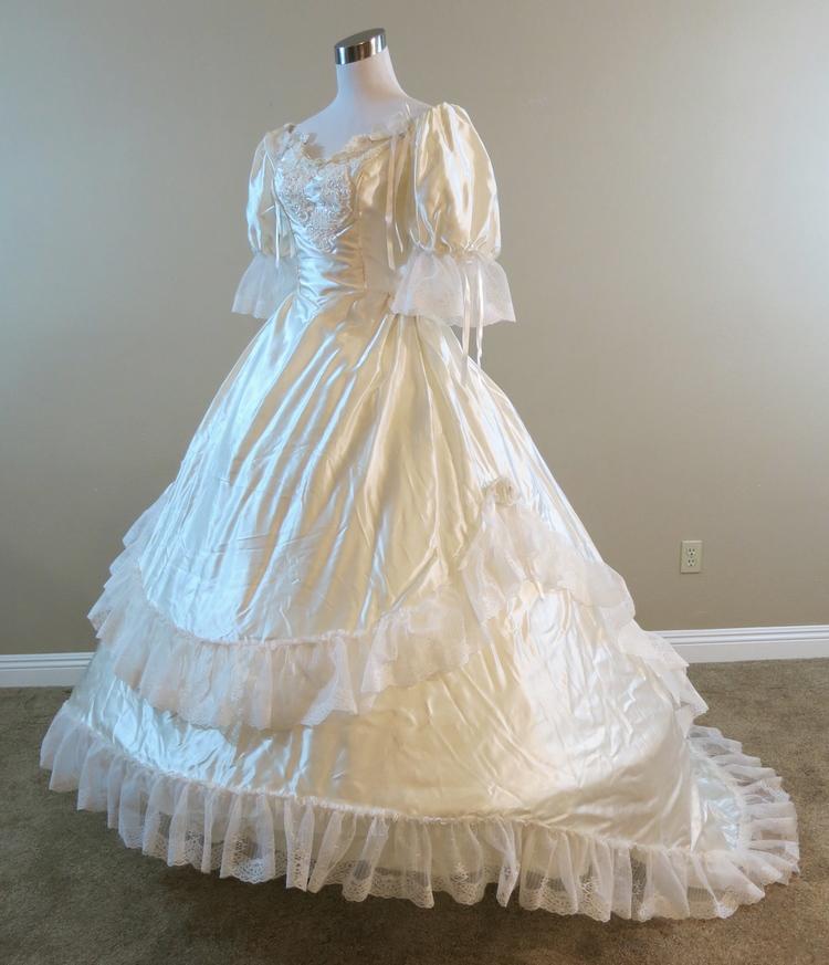 Vintage Bridallure Gown (waist - 25\
