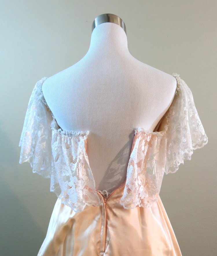 Peach Satin & Lace Gown (waist - 22\
