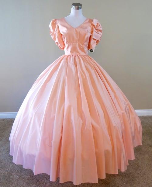 28.5.1 Peach Gown (waist - 28.5\