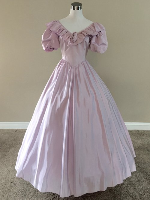 Lilac Ball Gown (waist - 26\