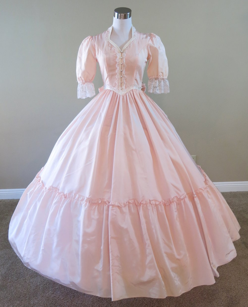 1860 Southern Belle Dresses