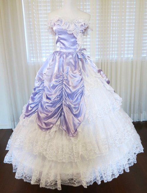 T26.3 Lavender Sleeveless Gown (waist - 26\