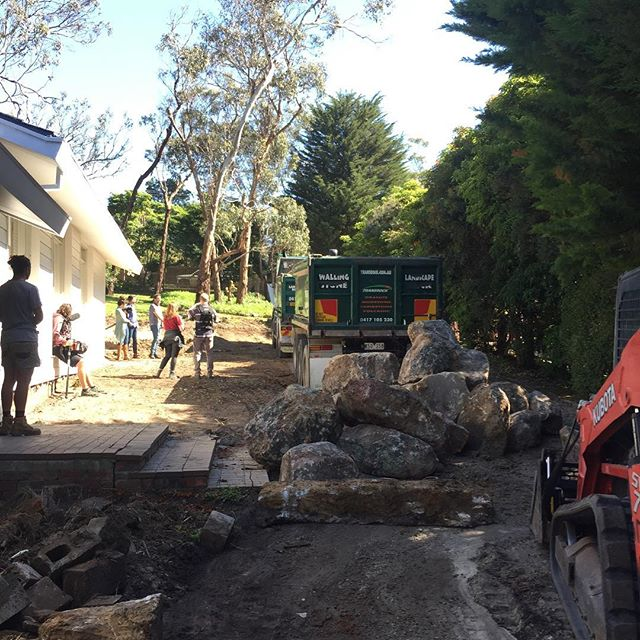20 Tonne of granite boulders onsite today, sounds like a lot but usually about half of each one gets buried for an organic feel... @bushprojects #landscape #design #landscapeconstruction