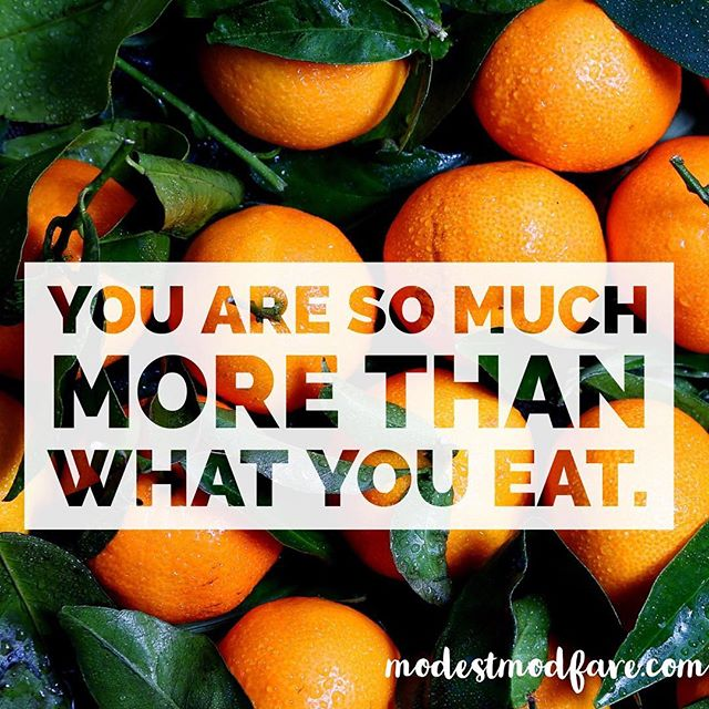 Words to live by 👆🏻😌 How you nourish yourself does not define who you are as a person. Happy Sunday everybody ☺️! • • • • #intuitiveeating #haes #rd2be #nutrition #nourish #nourishingyourbody #selflove #selfcompassion #dietitian #nondietdietitian #sunday #sundayvibes