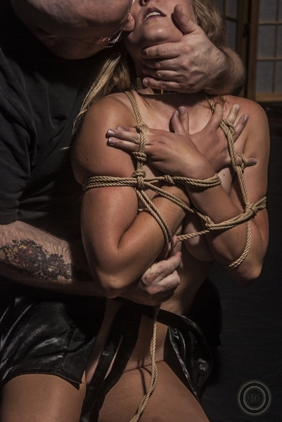 Photographer: MrOgre, Rigger: T0ne, Model: p1x13, Rope: 5MM Natural Jute
