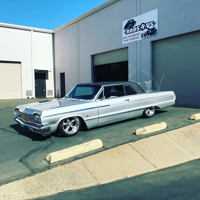 Delivery day for this 64 Impala. Full @ridetechsuspension suspension and air ride and a fresh GM 350 crate engine.