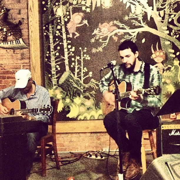 Had an amazing time playing a show in the beautiful #coloradosprings with #charlesellsworth at #jivescoffeelounge