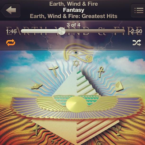 Groovy. #earthwindandfire #cantstoplistening