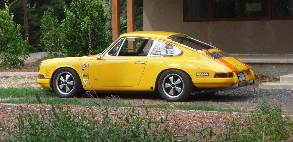 Yellow car 1.jpg