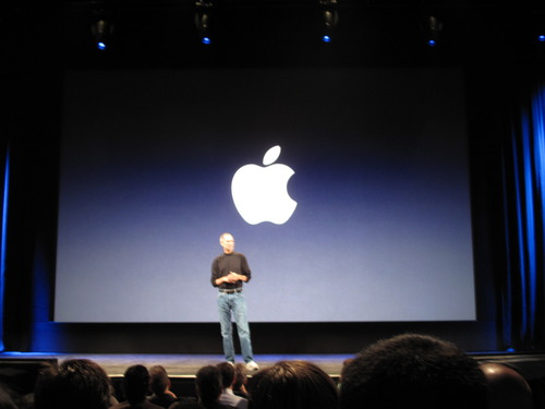 Steve Jobs is back: I was there when he reemerged. 5th row, center. 9/9/09.
