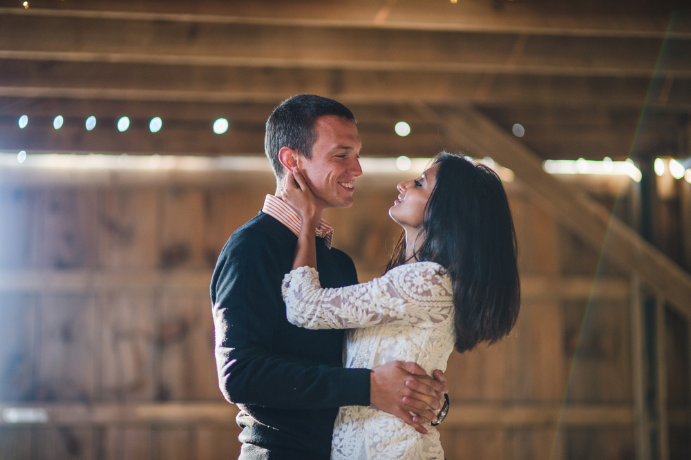 Barn engagement session by Mantas Kubilinskas-4.jpg