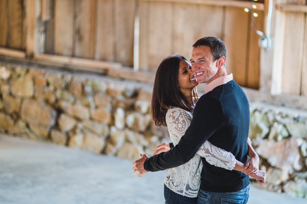 Barn engagement session by Mantas Kubilinskas-5.jpg