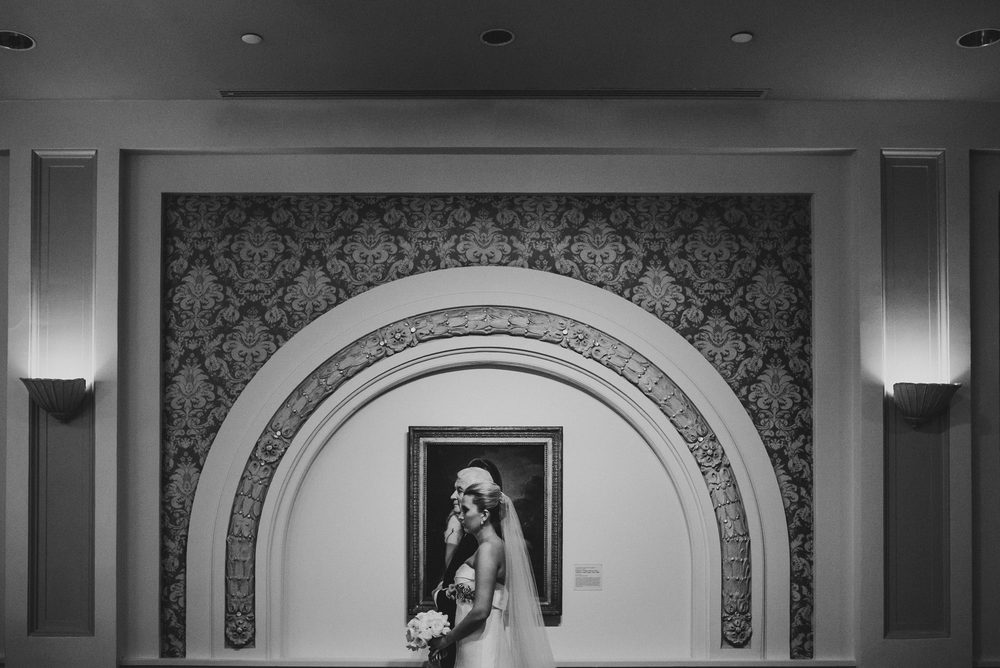 Wedding at National Museum of Women in the Arts by Photographer Mantas Kubilinskas-20.jpg