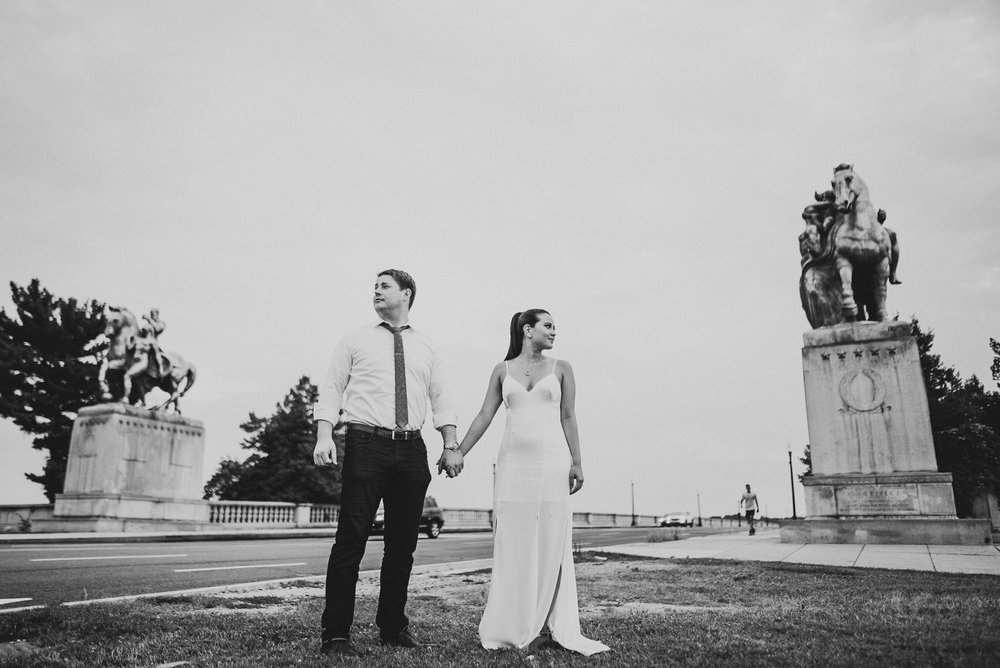 arlington memorial bridge engagement session-3.jpg